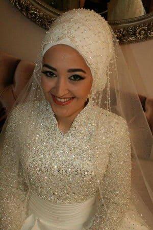 ความงดงามและข้อจำกัดต่างๆ ของชุดเจ้าสาวแบบมุสลิม